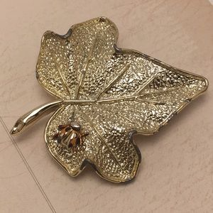 Vintage Lady Bug Leaf Pin